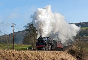 In dramatic fashion, 75078 pulls away from Damems junction - Robin Lush
