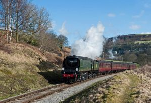 'Wells makes light weight on the approach to Oakworth. Photographer: Robin Lush