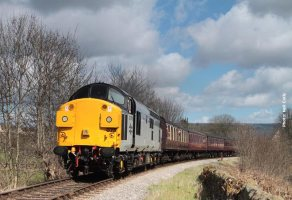 Having left Ingrow Tunnel behind, 37 075 climbs towards Damems.