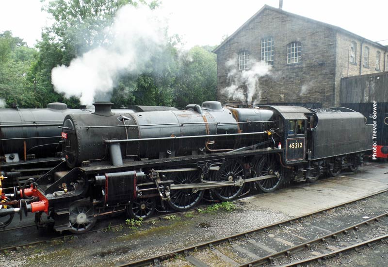 ex-LMS 'Black 5' 45212 Arrives Home | Keighley and Worth