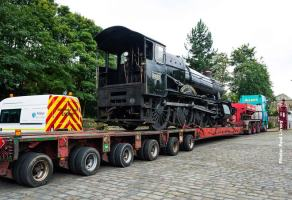 7822 waits patiently, ready for off loading and towing to Haworth.