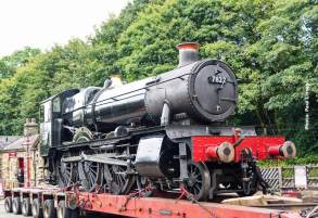 After attending the NYME Gala, 'Foxcote Manor' arrived at Ingrow.